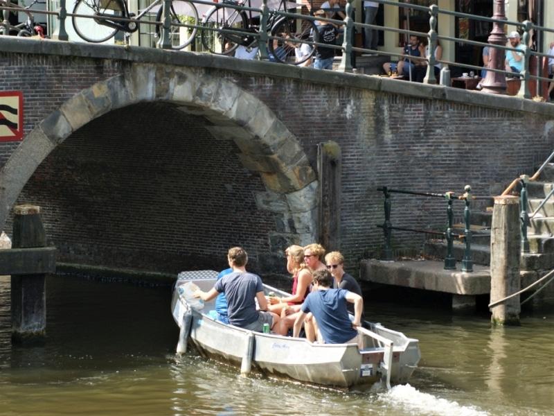 Amsterdam Grachtenfahrt selbst fahren Boats4rent