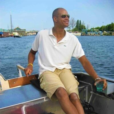 Zelf bootje varen over Amsterdamse grachten