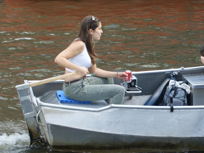 Bij Boats4rent Bootverhuur in Amsterdam kun je zelf een bootje varen over de grachten