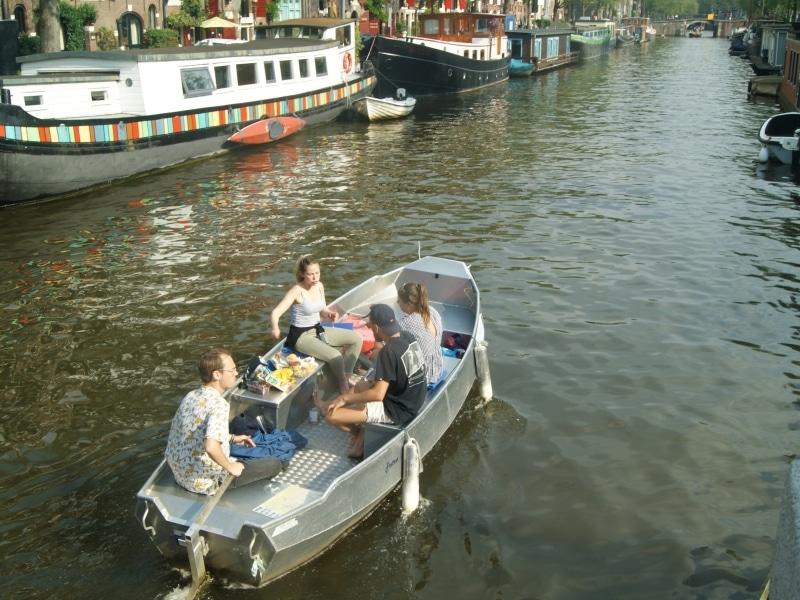 Goedkope bootverhuur Amsterdamse grachten Boats4rent