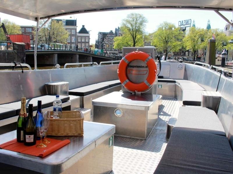 Sloep huren Amsterdam met schipper en catering