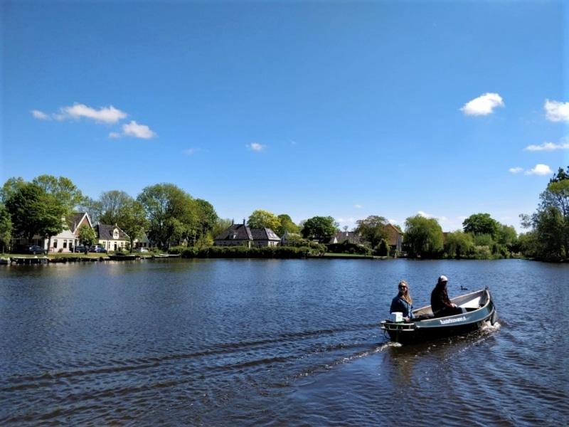 Fluisterboot huren buiten Amsterdam Broek in Waterland