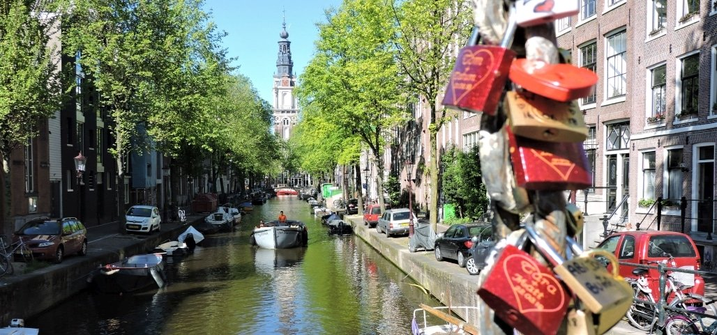 Famous canals Amsterdam Groenburgwal