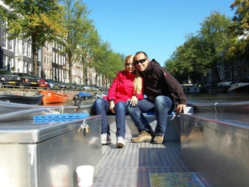 Self drive boat amsterdam