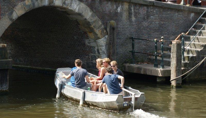 amsterdam canal boat rental