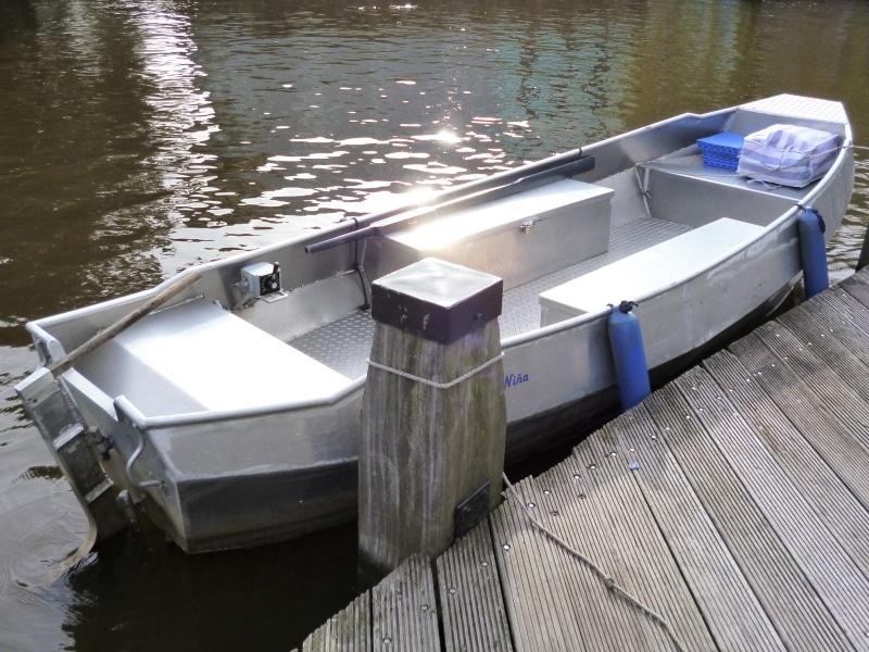 Rent a self drive boat Amsterdam